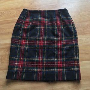 Jones New York Vintage Red Green Black Plaid Skirt